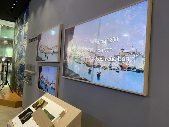TV xịn nhất của Samsung đang được trưng bày tại Samsung 68 ảnh 3