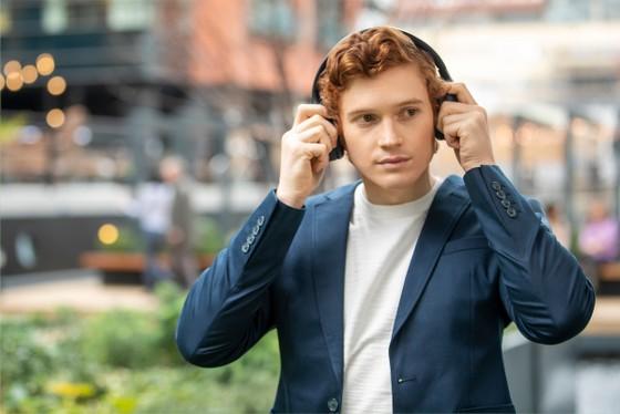 Sony chính thức giới thiệu mẫu tai nghe choàng tai chống ồn WH-1000XM4 ảnh 2