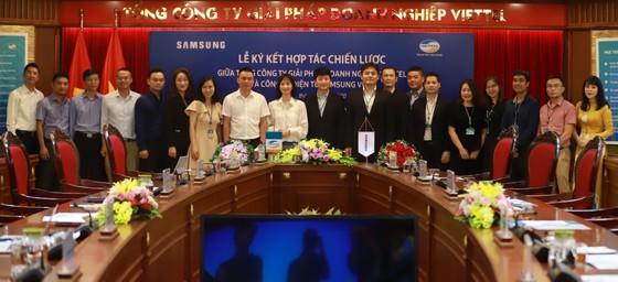 Viettel và Samsung chính thức ký kết hợp tác chiến lược ảnh 1
