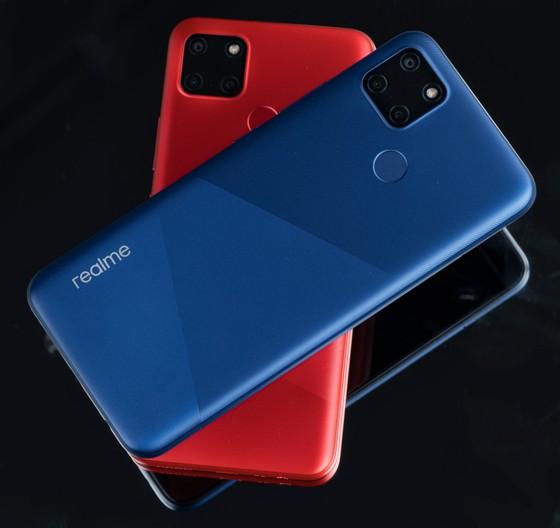 Realme C12: Pin 6.000 mAh, có mức giá 3,5 triệu đồng tại Việt Nam   ảnh 1