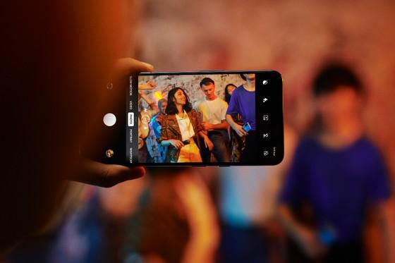 """OnePlus 8 Pro 5G và OnePlus Nord 5G hai Smartphone """"xịn"""" đã lên kệ  ảnh 6"""