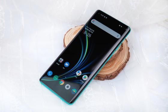 """OnePlus 8 Pro 5G và OnePlus Nord 5G hai Smartphone """"xịn"""" đã lên kệ  ảnh 2"""