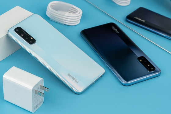 """Realme 7 series với hai màu """"Sương lam - Khói trắng"""" sắp mở bán tại Việt Nam  ảnh 3"""