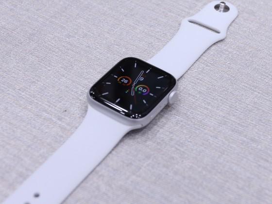 Apple Watch SE, Apple Watch Series 6 đã được bán tại hệ thống Di Động Việt ảnh 1