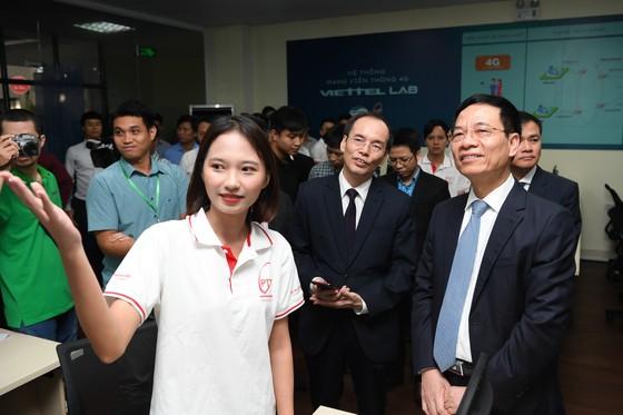 Viettel tài trợ phòng Lab mạng 4G LTE dành cho sinh viên  ảnh 1