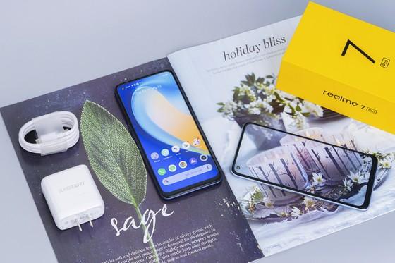 Realme 7 và 7 Pro bán độc quyền tại Thế giới di động  ảnh 4