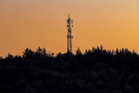 Cách nào giữ an toàn khi dùng 5G? ảnh 2