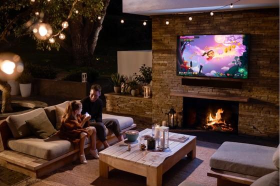 Samsung ra mắt The Terrace – TV QLED ngoài trời  ảnh 1