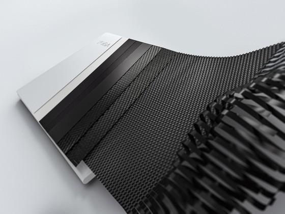 Yoga Slim 7i Carbon laptop có trọng lượng chỉ từ 966 gram ảnh 1
