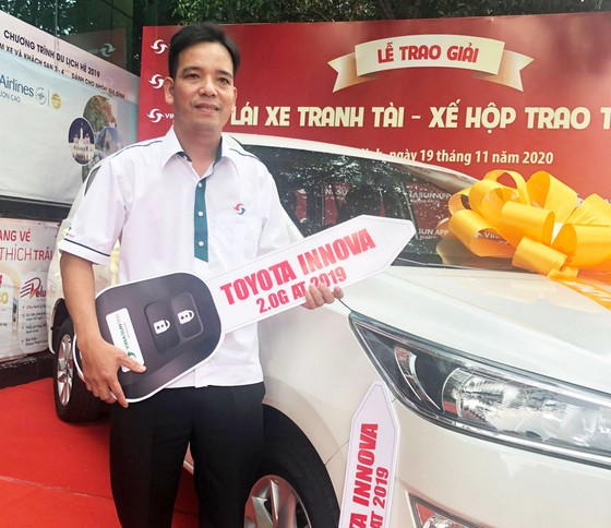 Vinasun Taxi trao thưởng xe Toyota Innova 2.0G AT 2019 cho lái xe  ảnh 4