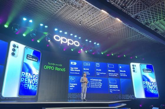 """OPPO Reno5 """"Cùng hình dung khoảnh khắc cuộc sống"""" chính thức ra mắt tại Việt Nam ảnh 6"""