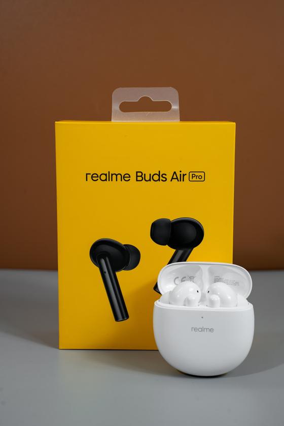 Realme Buds Air Pro chống ồn chủ động với giá gần 2,7 triệu đồng ảnh 2