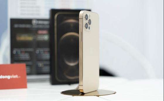iPhone 12 VN/A đồng loạt giảm giá mạnh  ảnh 1