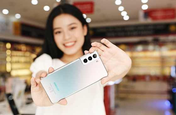 Mua Galaxy S21 tại FPT Shop được nhiều lợi ích và thêm ý nghĩa ảnh 1