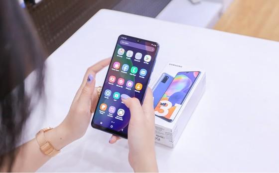 Galaxy A12 và Galaxy A31 giảm giá mạnh nhất từ trước đến nay ảnh 2