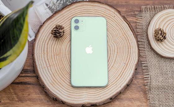 iPhone 12 giảm 7 triệu đồng ảnh 1