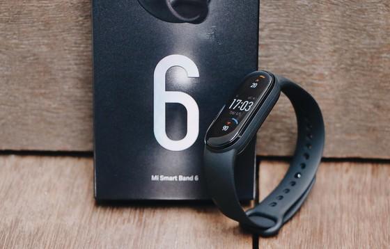 Đặt trước Mi Smart Band 6 tại FPT Shop, khách hàng được tặng cân Mi Smart Scale 2  ảnh 1