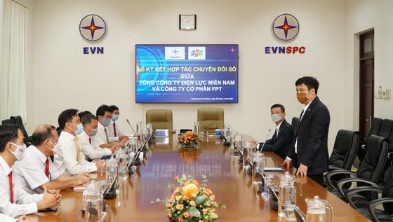 Tổng công ty Điện lực miền Nam và FPT ký kết thỏa thuận hợp tác chuyển đổi số ảnh 2