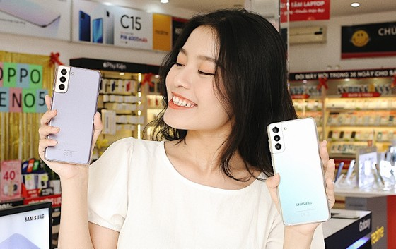 FPT Shop giảm đến 11 triệu đồng và giao hàng tận nhà cho khách mua sản phẩm Samsung ảnh 2