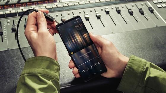Sony ra mắt bộ đôi smartphone mới  ảnh 4