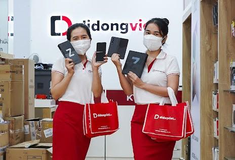 Di Động Việt giao Z Fold3 5G và Z Flip3 5G tận nhà cho khách hàng ảnh 1