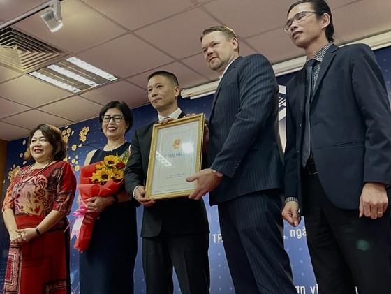 Intel Việt Nam duy trì sản xuất, tích cực hoạt động thiện nguyện ảnh 1