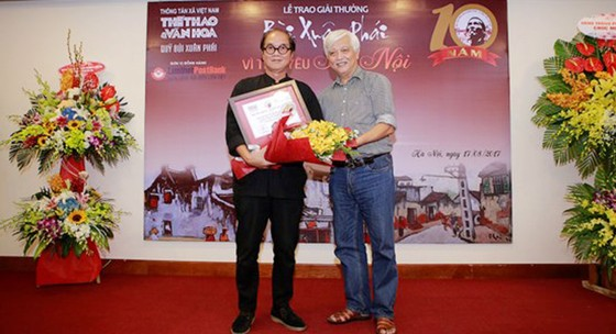 Giải thưởng Bùi Xuân Phái - Vì tình yêu Hà Nội: Nhà văn hóa Hữu Ngọc được trao Giải thưởng Lớn  ảnh 4
