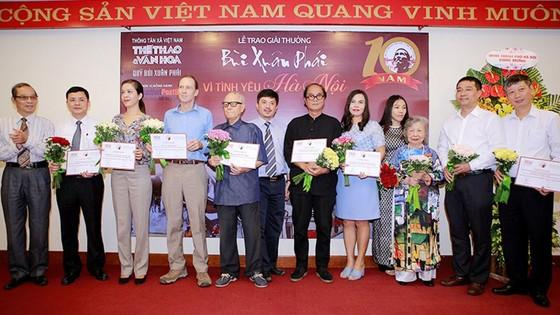 Giải thưởng Bùi Xuân Phái - Vì tình yêu Hà Nội: Nhà văn hóa Hữu Ngọc được trao Giải thưởng Lớn  ảnh 1