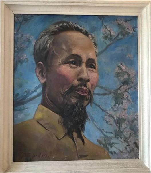 Tiếp nhận nhiều tư liệu, hiện vật quý về Chủ tịch Hồ Chí Minh ảnh 1