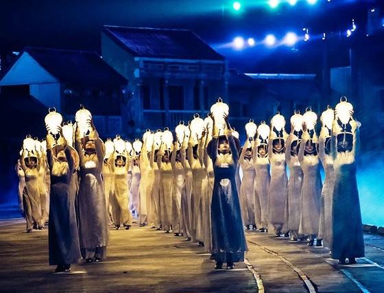 3.000 đèn lồng thắp sáng đón chào năm mới 2019 ảnh 1