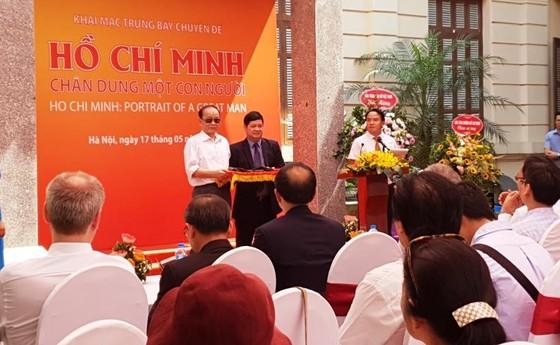 Giới thiệu gần 200 tư liệu hiện vật quý về Chủ tịch Hồ Chí Minh ảnh 3