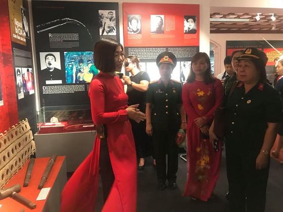 Hơn 300 tư liệu, hình ảnh xúc động tại triển lãm 'Chiến sĩ cách mạng bị địch bắt tù đày' ảnh 1