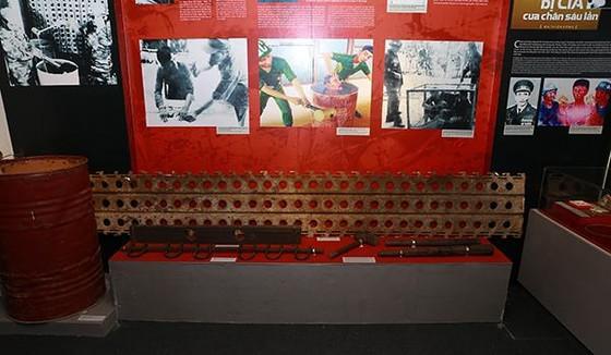 Hơn 300 tư liệu, hình ảnh xúc động tại triển lãm 'Chiến sĩ cách mạng bị địch bắt tù đày' ảnh 2