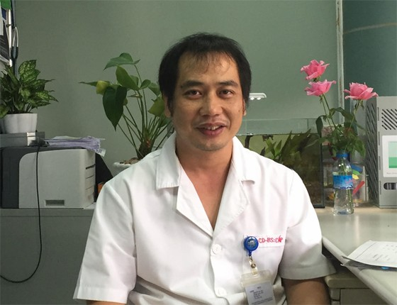 'Món quà vô giá' - chuyện về những bác sĩ nơi tuyến đầu chống dịch ảnh 2