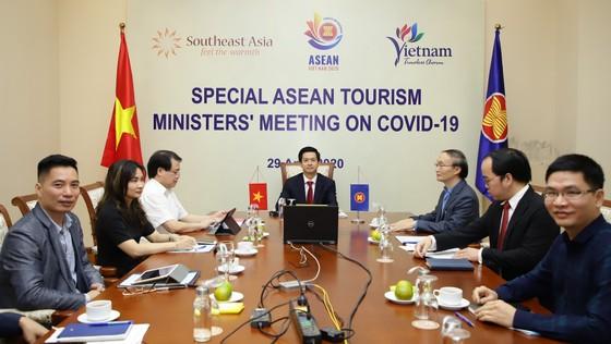 Tháng 4-2020, khách quốc tế đến Việt Nam giảm 98,2% so với cùng kỳ năm 2019 ảnh 2