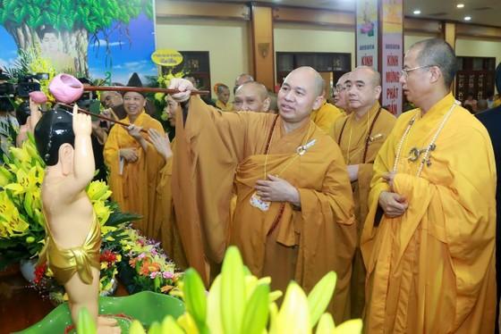 Trang nghiêm chính lễ Phật đản đặc biệt tại chùa Quán Sứ ảnh 2