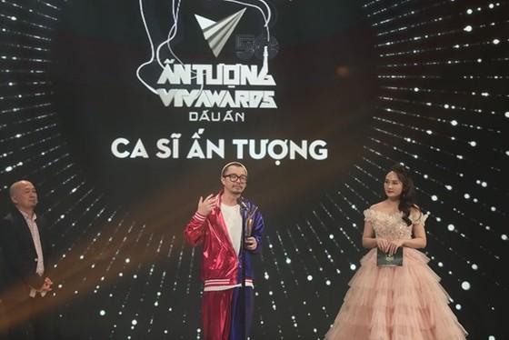 VTV Awards 2020 tôn vinh nhiều cá nhân, tập thể trong cuộc chiến chống Covid-19 ảnh 1