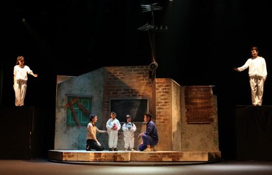 Sân khấu Nhà hát Tuổi Trẻ lại sáng đèn với kịch Lưu Quang Vũ ảnh 1