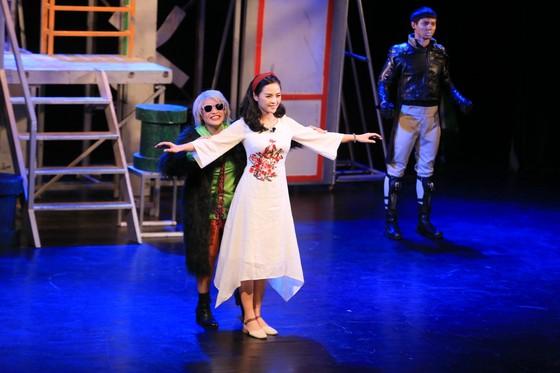 Sân khấu Nhà hát Tuổi Trẻ lại sáng đèn với kịch Lưu Quang Vũ ảnh 2