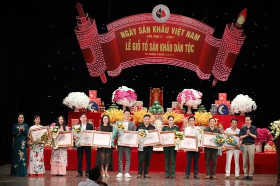 Đông đảo nghệ sĩ tham dự Giỗ Tổ sân khấu ảnh 4