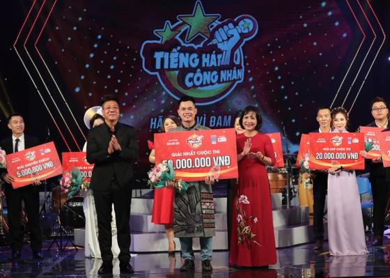 Giọng ca đến từ Sơn La giành vị trí quán quân Tiếng hát công nhân 2020 ảnh 1