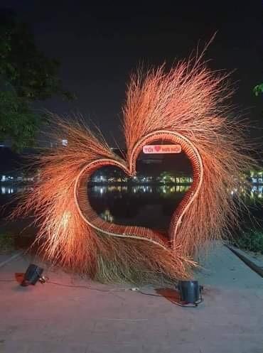 Gỡ toàn bộ thiết kế không phù hợp tại Hồ Gươm trước giờ khai mạc lễ hội ảnh 2