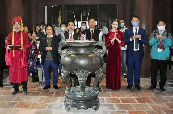 Hà Nội đón đoàn khách du lịch đầu tiên năm 2021 đến từ TPHCM ảnh 2