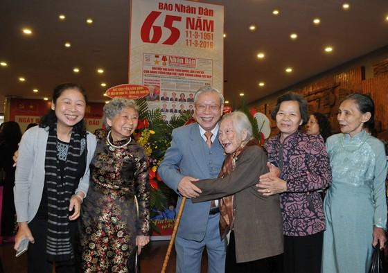 Báo Nhân Dân kỷ niệm 70 năm ra số đầu  ảnh 2