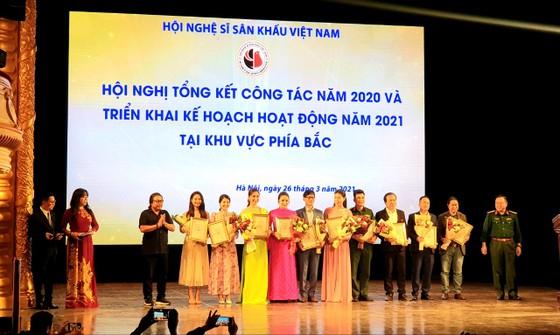 Vở kịch Đêm trắng được trao giải Vở diễn xuất sắc nhất năm 2020 ảnh 2