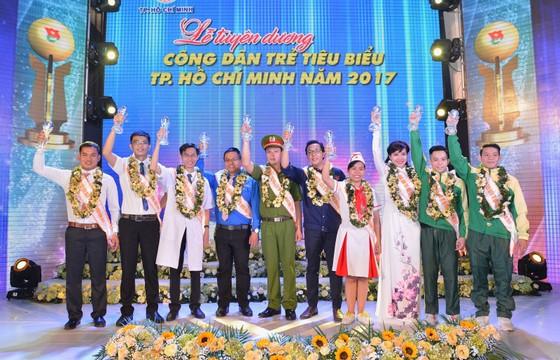 Tuyên dương 10 công dân trẻ tiêu biểu TPHCM năm 2017 ảnh 2