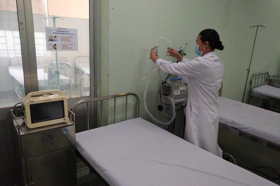 Quận Bình Tân kiểm soát chặt chẽ hơn 500 người nước ngoài đến cư trú, làm việc từ ngày 20-1 ảnh 1