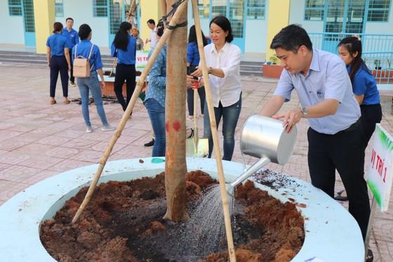 Người dân quận Bình Tân, quận 12 tổng vệ sinh môi trường ảnh 2