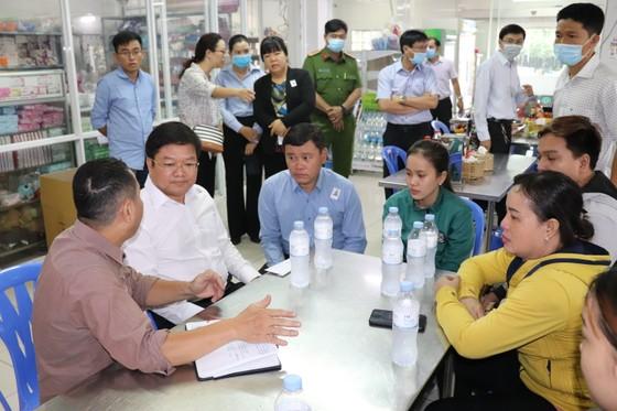 Lãnh đạo TPHCM thăm gia đình nạn nhân tử vong trong vụ cháy ở quận Bình Tân ảnh 2