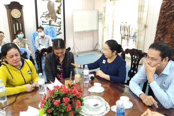 Lãnh đạo TPHCM thăm gia đình nạn nhân tử vong trong vụ cháy ở quận Bình Tân ảnh 1